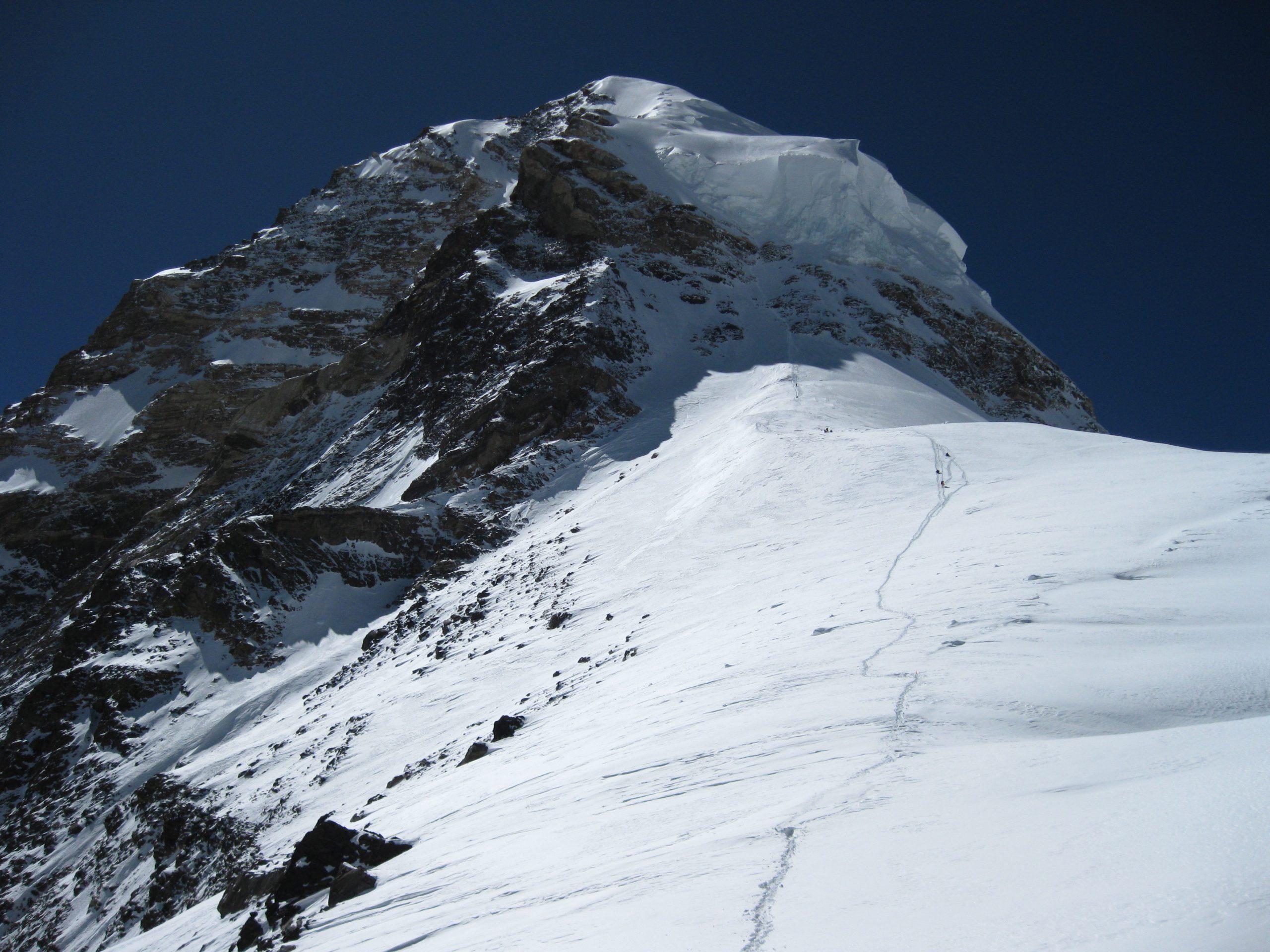 La vista de la cumbre desde 8000 metros